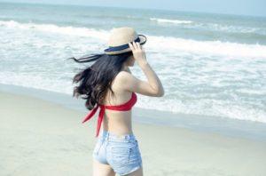 Mejores outfits para un día de playa