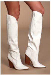 Moda con botas blancas